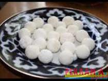 Аулские куруты ( кисло-молочные шарики)